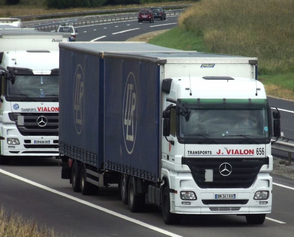 Transports J Vialon (La Fouillouse, 42) - Page 4 440426photoscamionjuin2013317