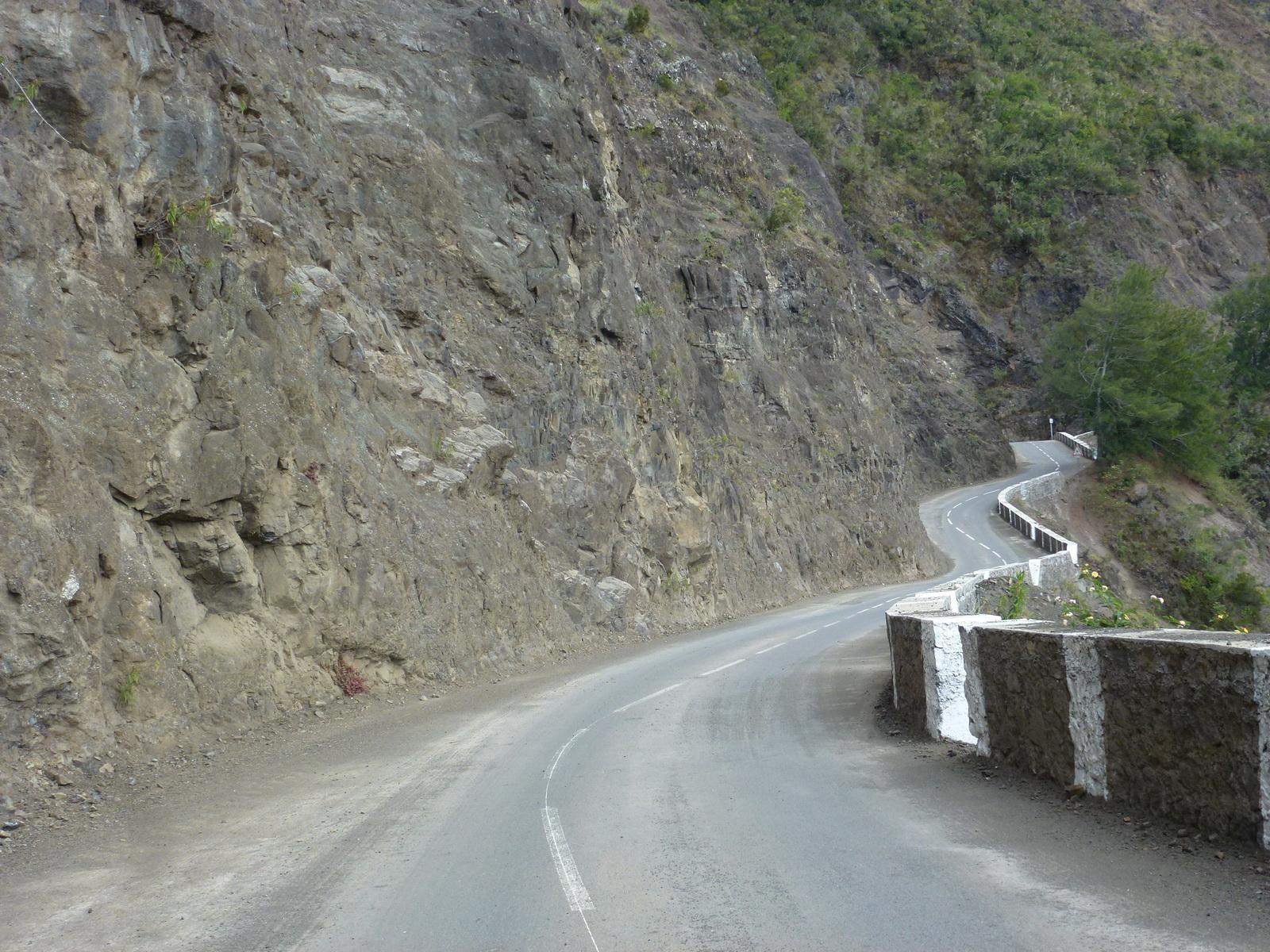 LA RÉUNION : la route de Cilaos, dite route aux 400 virages 442469P1030395