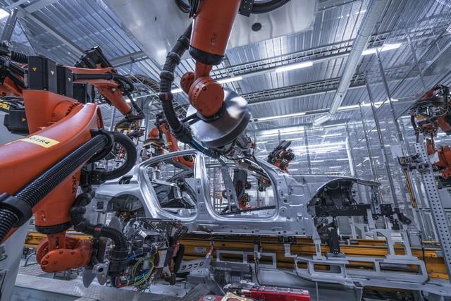 La nouvelle BMW Série 5 Berline. Plus légère, plus dynamique, plus sobre et entièrement interconnectée 446303P90237974highResbmwgroupplantding