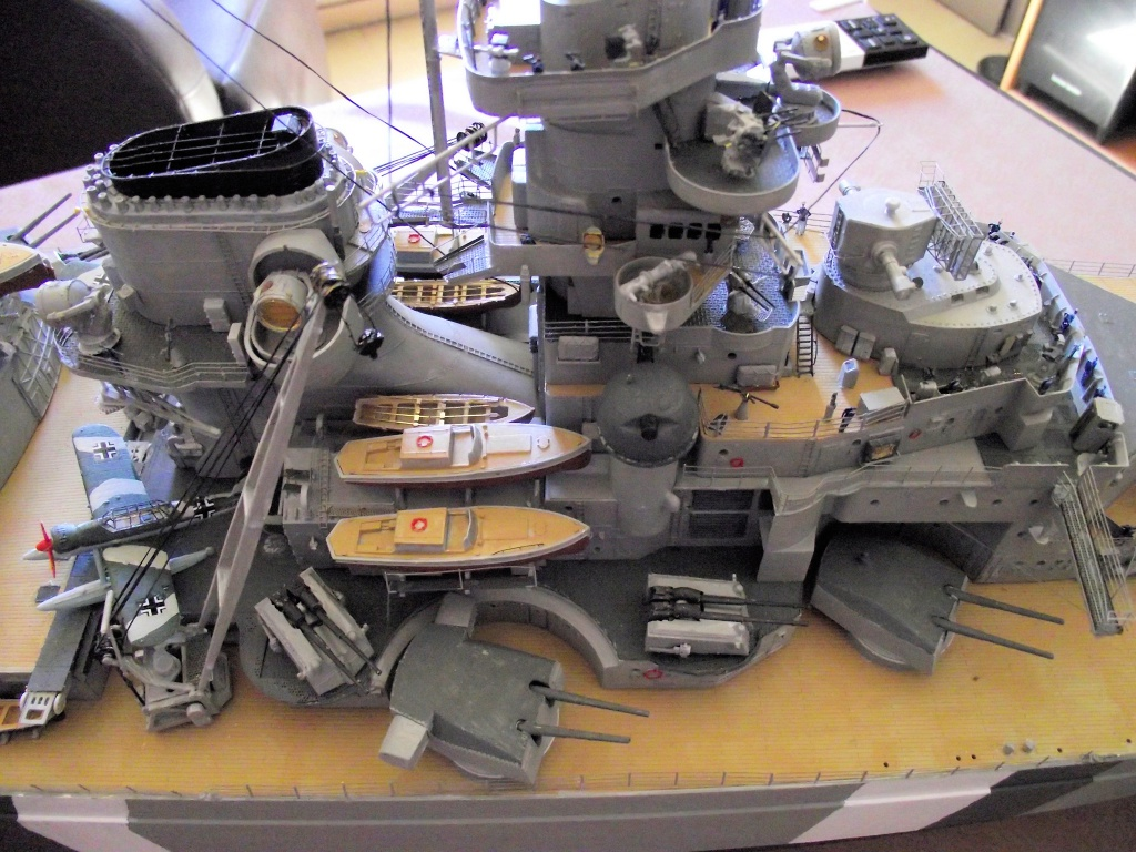 Bismarck Trumpeter 1x200 avec PE et figurines Eduard 448248Bismarck1x200173