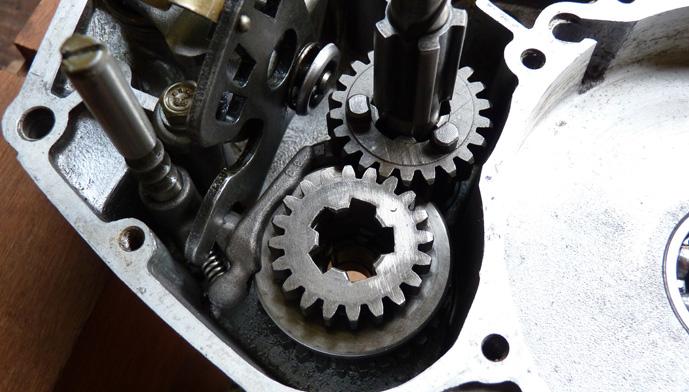 remontage d'un bas moteur d'une 125 TS 448504P1060189