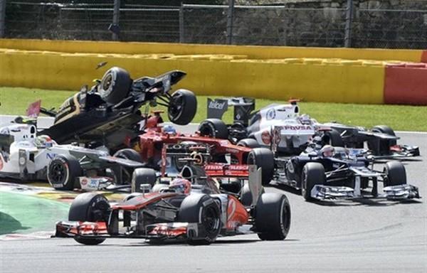 F1 GP de Belgique 2012 : Victoire Jenson Button 449229Grosjeanalimintroispilotes4