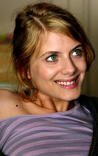Mélanie Laurent // 200*320  453391Mel8