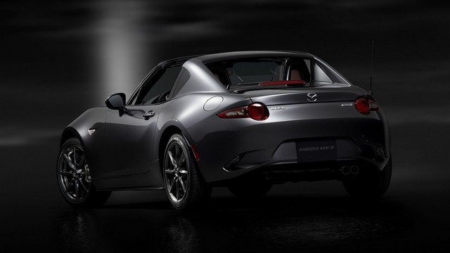 Salon de l'auto de New York : première mondiale de la Mazda MX-5 RF  45427120160322C9077PHOTOFR44721
