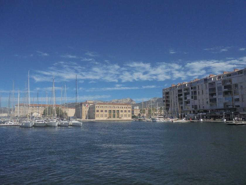 [Les Ports Militaires de Métropole] Visite de la rade de Toulon - Page 14 454451DSC03768