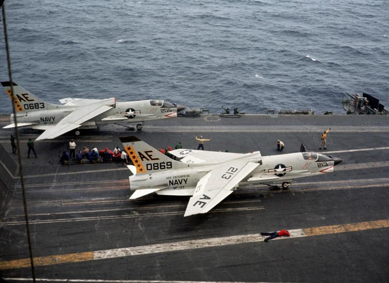 VOUGHT F-8 CRUSADER  455414VoughtF8EVF33USSEnterpriseCVAN651964