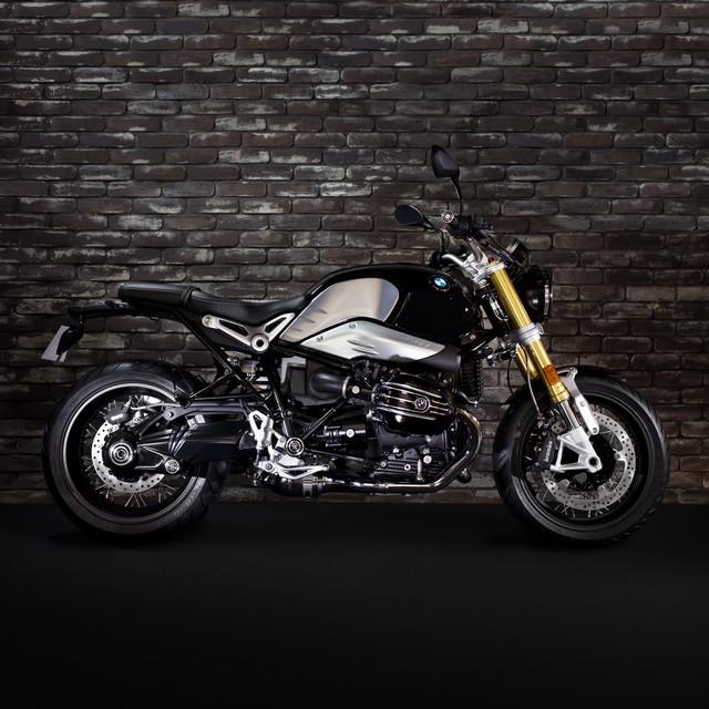 BMW Motorrad : accessoires « Machined » pour les BMW R NineT. 455493P90245869highResbmwrninetxroland