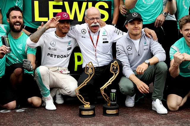 F1 GP de Monaco 2016 : Victoire de Lewis Hamilton 4568132016LewisHamiltonDieterZetscheNicoRosberg