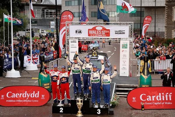 Rallye de Grande Bretagne 2012 (jour -3) victoire Jari-Matti Latva 4569342012rallyedegrandebretagneLatvalaPodium3