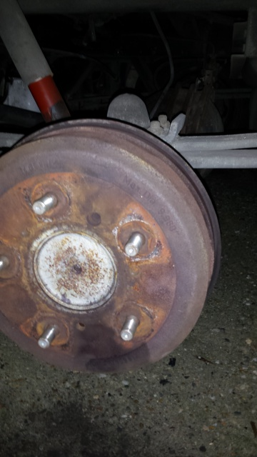 Plus de freins roue arrière droite brûlante 45815920141124174809