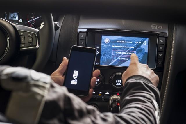 Lancement De La Nouvelle Jaguar F-TYPE Dotée De La Technologie GOPRO En Première Mondiale 461965jaguarftype18myrerunapp10011709