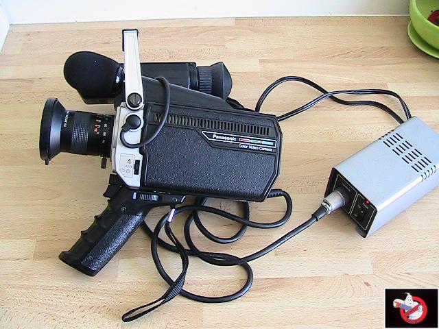 Caméra Panasonic PK-750 et VCR Portable NV-8410 46251012