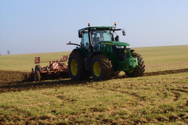 Photos de vos tracteurs - Page 5 4633211culbuterorge2012
