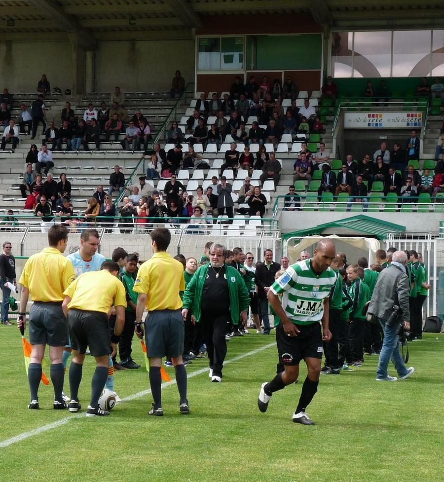 CETTE ( SETE ) ILE SINGULIERE REVIENT EN ( CHAMPIONNAT  DE)  FRANCE DE FOOTBALL AMATEUR  CFA 2 !!!!!!! - Page 2 463367Photo043
