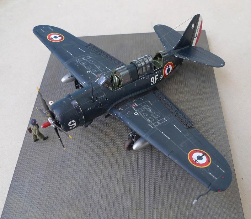 """[Academy] Curtiss SB2C-5 """"Helldiver"""" en Indochine 463374Helldiver70"""