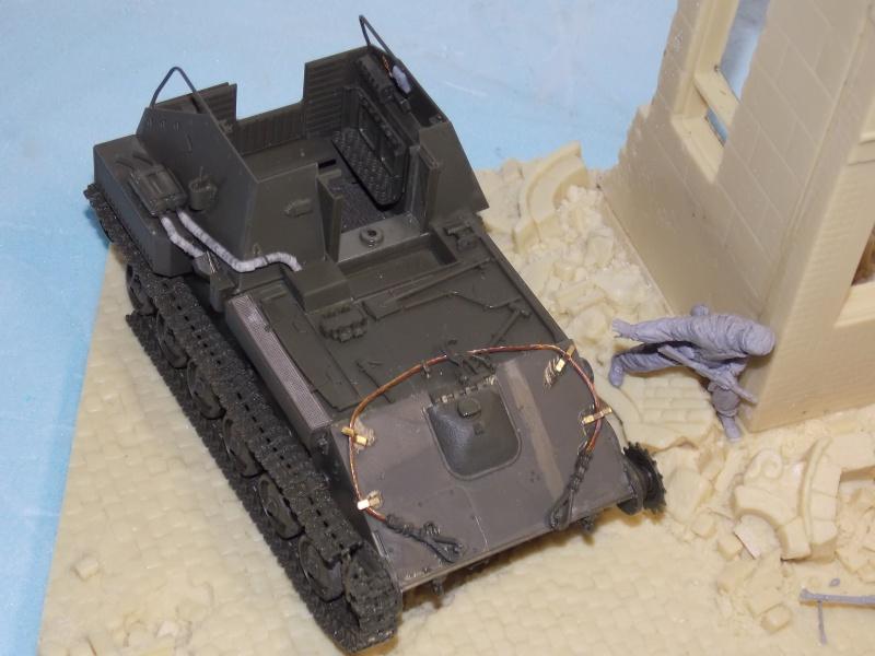 SU 76 M Tamiya et ruine Verlinden 1/35 - Page 2 463929DSCN4315
