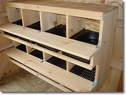 Quelques modèles de pondoirs pour nos poules 464660coop4sm