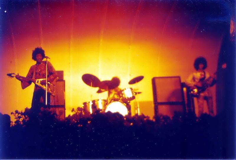 Stockholm (Stora Scenen) : 4 septembre 1967 [Premier concert] 47049419670904or11StoraScenenGrnaLund1