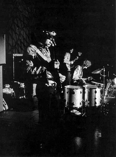 San Francisco (Winterland) : 4 février 1968 [Second concert] 47503119680204b2jimmarshall