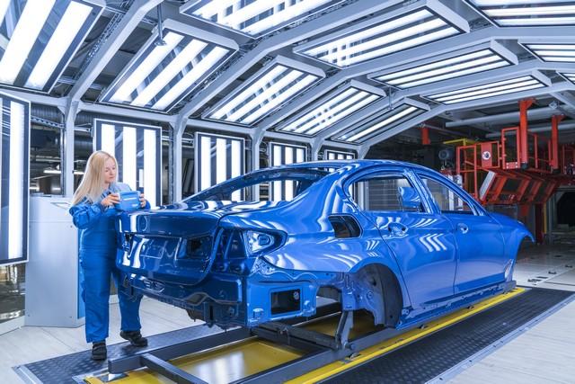 La nouvelle BMW Série 5 Berline. Plus légère, plus dynamique, plus sobre et entièrement interconnectée 475295P90237966highResbmwgroupplantding