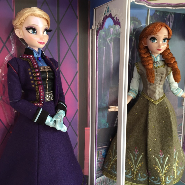 Disney Store Poupées Limited Edition 17'' (depuis 2009) - Page 5 475395IMG0187
