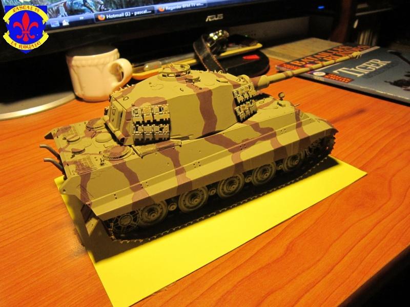 Sd.Kfz.182 King Tiger à tourelle Henschel de Dragon au 1/35e par pascal 94 475609IMG1171L