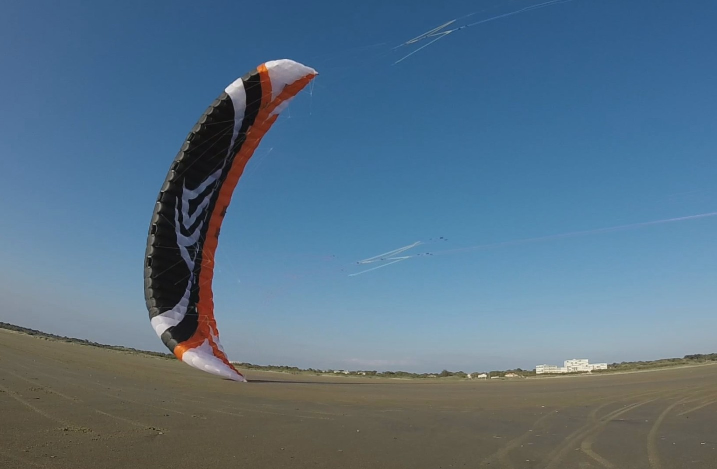 [VENDUE] Flysurfer speed4 lotus LIMITED EDITION 15m² - 1100e 475734ScreenHunter163Nov262001