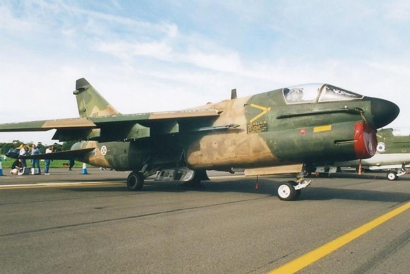 LTV A-7 Corsair II [NOUVELLE VERSION] 476763LTVA7PCorsairIIPortugueseAirForce4
