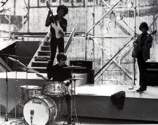 """Ready, Steady, Go!"" (Wembley, Londres) : 13 décembre 1966 47702119661213ReadySteadyGo"