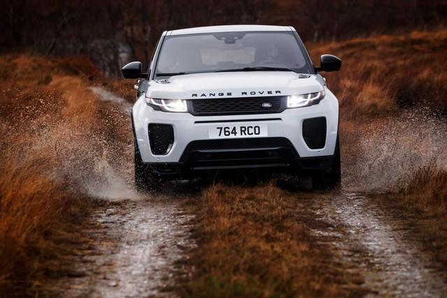Les Land Rover Discovery Sport Et Range Rover Evoque Encore Plus Performants Grâce Aux Technologies Des Nouveaux Moteurs Ingenium 477943rrevq18my290psingeniumpetrol24051705