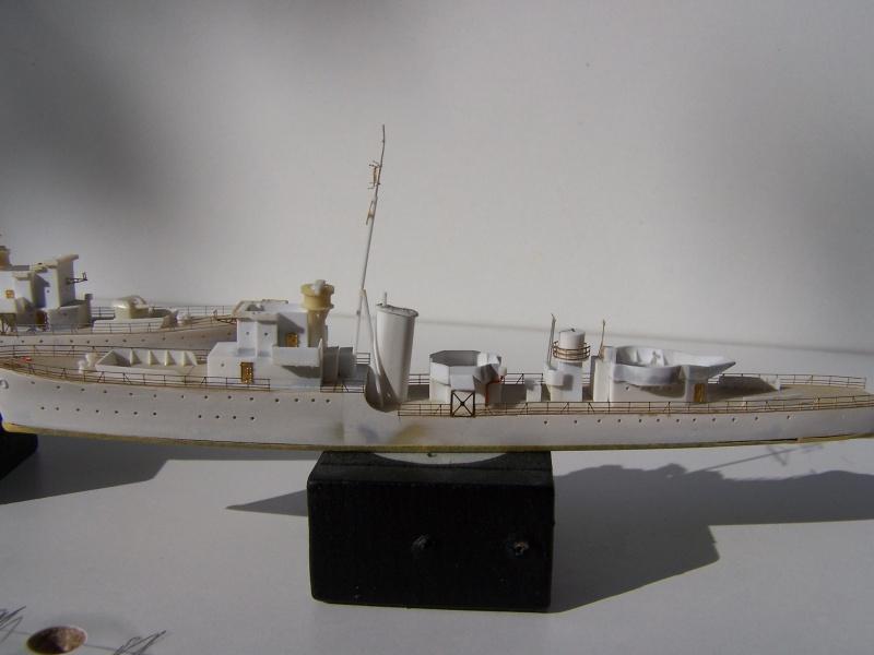 Destroyers classe Hunt type 2 et 3 - Page 2 478206Hutn2et3023