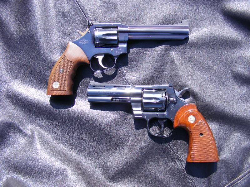 Le duel Colt Python VS Manurhin MR73 4797539202