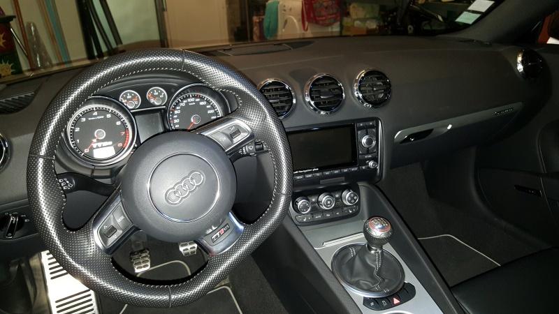 TT RS blanche de 2010 48260320151226203202
