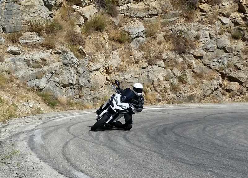 COMPARATIF Bmw S1000XR Vs Ducati MULTISTRADA 1200DVT  48308320150908152035014a