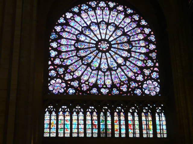 Notre dame de Paris 483280051
