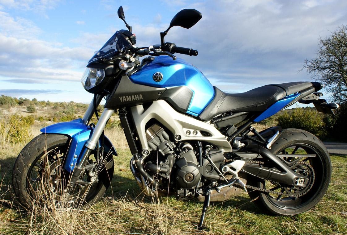 MT09 Ocean Blue 483408DSC02125blue