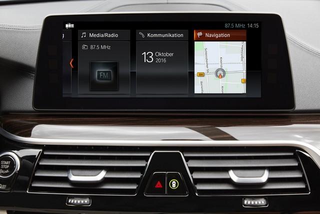 La nouvelle BMW Série 5 Berline. Plus légère, plus dynamique, plus sobre et entièrement interconnectée 483434P90237257highResthenewbmw5series