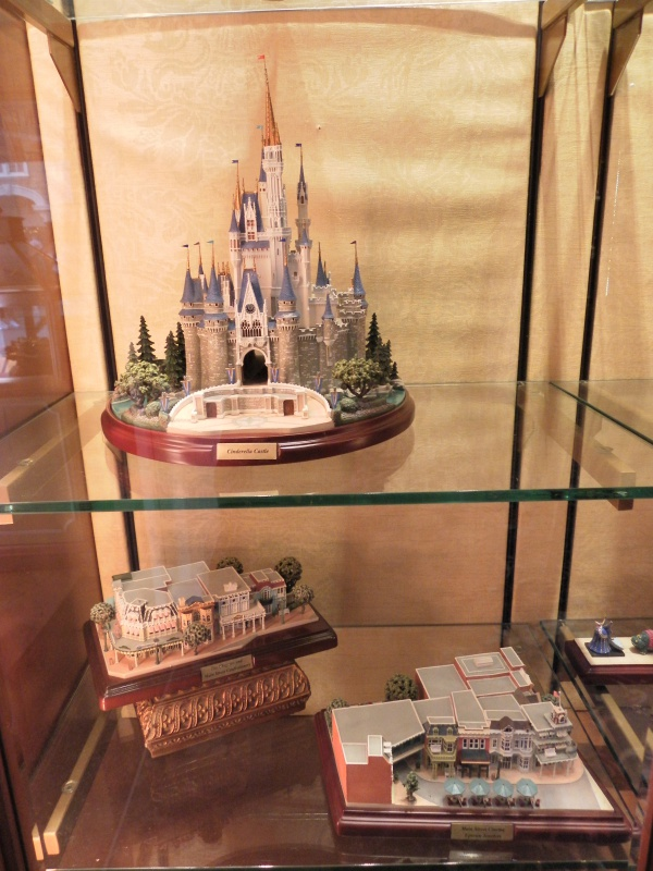 Les accros du shopping à Walt Disney world - Page 2 485044SAM3985
