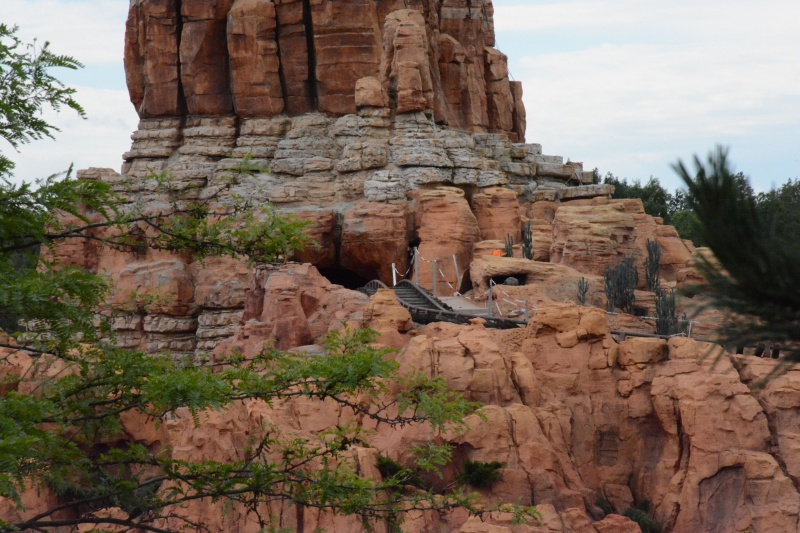 Big Thunder Mountain - Réhabilitation [Frontierland - 2015-2016] - Page 37 485641Disney220616011
