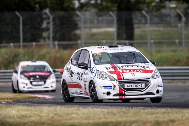 Franc Succès Pour Le 1er Rendez-Vous Des Rencontres Peugeot Sport 4856845905ed5be6c3a