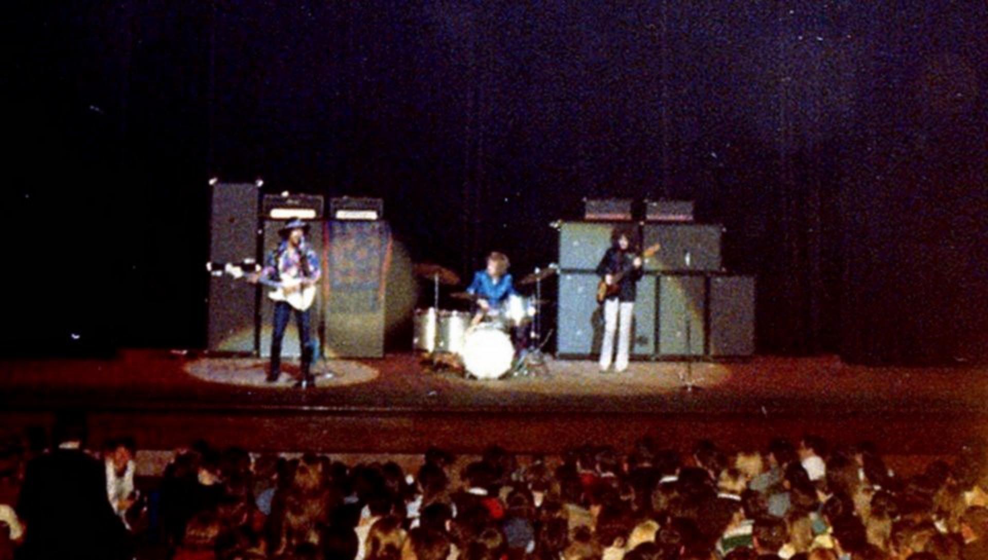 Cleveland (Public Music Hall) : 26 mars 1968 [Premier Concert] 491178196803262stshown