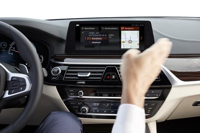 La nouvelle BMW Série 5 Berline. Plus légère, plus dynamique, plus sobre et entièrement interconnectée 493755P90237251highResthenewbmw5series