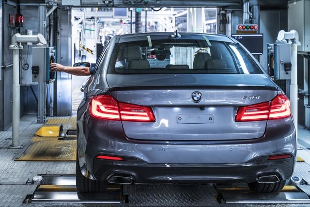 La nouvelle BMW Série 5 Berline. Plus légère, plus dynamique, plus sobre et entièrement interconnectée 494791P90237958highResbmwgroupplantding