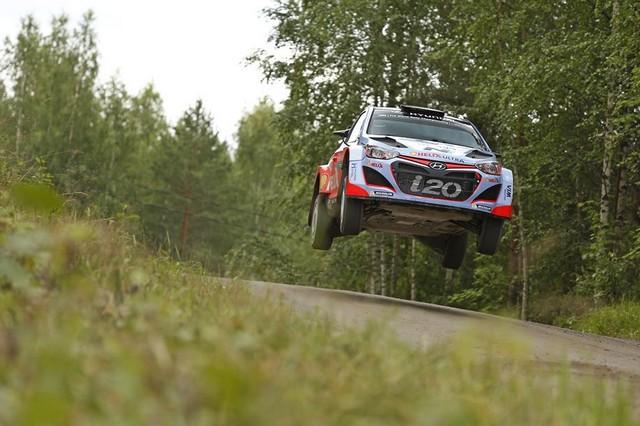 Mission accomplie pour Hyundai Motorsport qui se classe quatrième en Finlande  496703143094Neuville08FIN15sv066