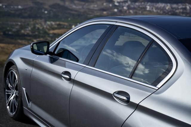 La nouvelle BMW Série 5 Berline. Plus légère, plus dynamique, plus sobre et entièrement interconnectée 500814P90237202highResthenewbmw5series