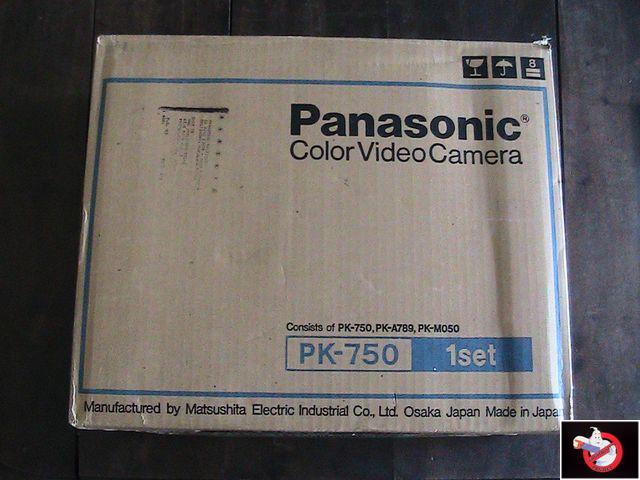Caméra Panasonic PK-750 et VCR Portable NV-8410 50113002