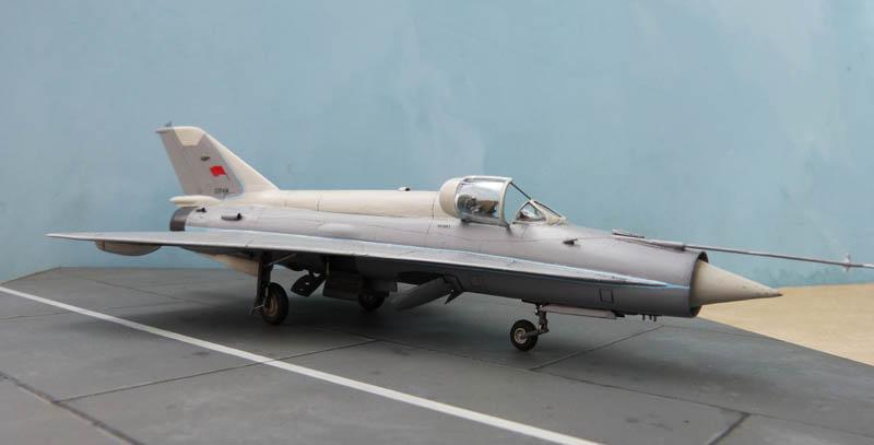 [Russie 2013-14] - Modelsvit - Mig 21 A144 Analog. 501301Analog44