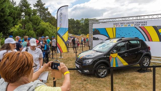 La famille Dacia au grand complet pour le Grand Pique-Nique 2017 5037599309216