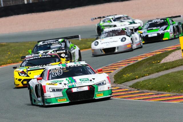 Audi produit la 200ème R8 LMS  506738A163086medium