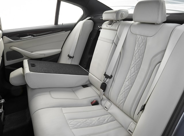 La nouvelle BMW Série 5 Berline. Plus légère, plus dynamique, plus sobre et entièrement interconnectée 510573P90237268highResthenewbmw5series